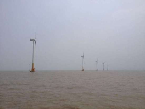 上海市东海大桥10万千瓦风电场