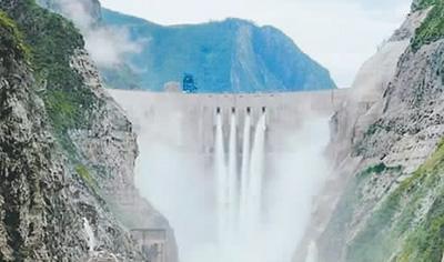四川锦屏一级水电站高三百零五米,创世界拱坝高度纪录